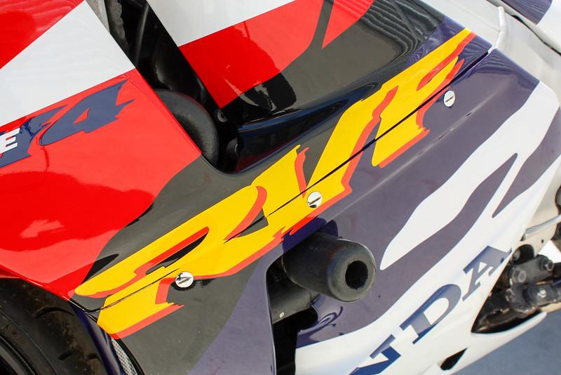 Honda RVF400 -  (9)