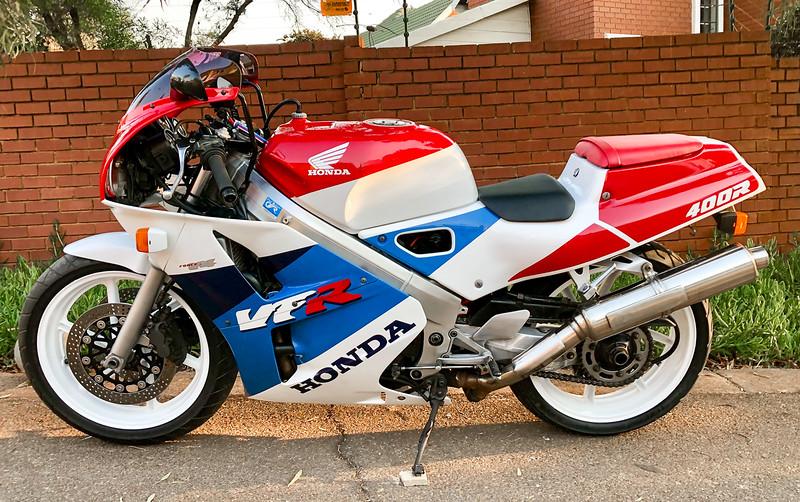 Honda VFR400R -  (2)