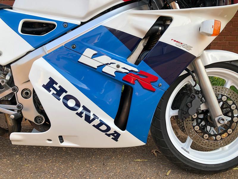 Honda VFR400R -  (23)