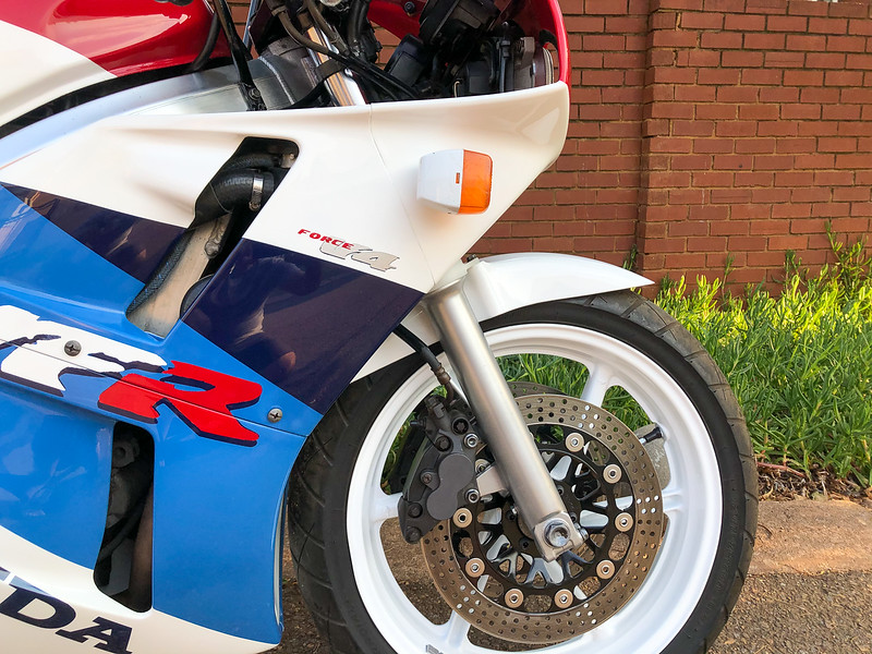 Honda VFR400R -  (17)