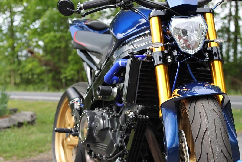 Honda VFR750 Streetfighter -  (6)