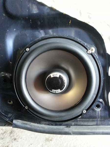 """Aftermarket speaker and speaker adapter ring from  <a href=""""http://www.car-speaker-adapters.com/items.php?id=SAK033""""> Car-Speaker-Adapters.com</a>   installed."""