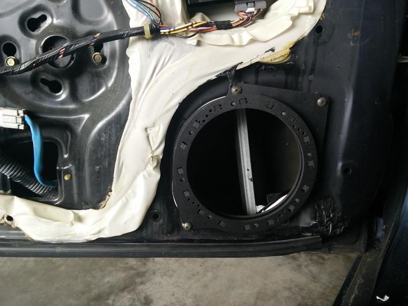 "Speaker adapter from <a href=""http://car-speaker-adapters.com/items.php?id=SAK116""> Car-Speaker-Adapters.com</a>  installed on door"