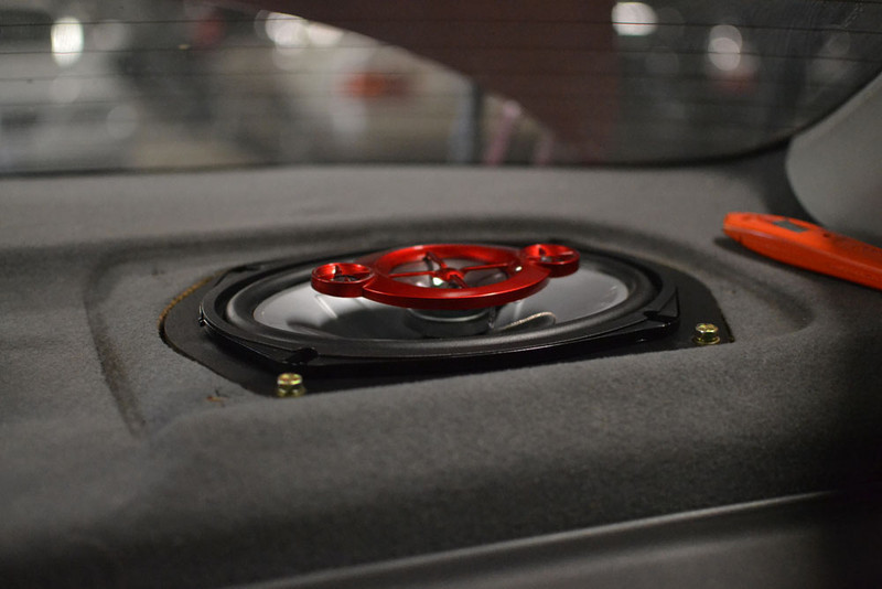 """Aftermarket speaker and speaker adapter ring from   <a href=""""http://www.car-speaker-adapters.com/items.php?id=SAK006""""> Car-Speaker-Adapters.com</a>   installed"""