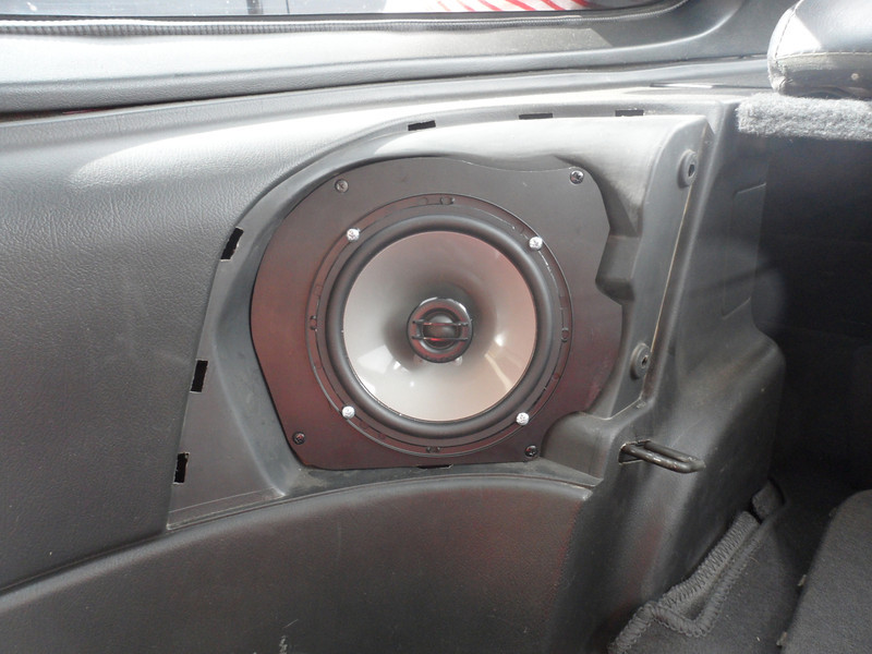 """Aftermarket speaker and speaker adapter plate  from  <a href=""""http://www.car-speaker-adapters.com/items.php?id=SAK053""""> Car-Speaker-Adapters.com</a>   installed"""