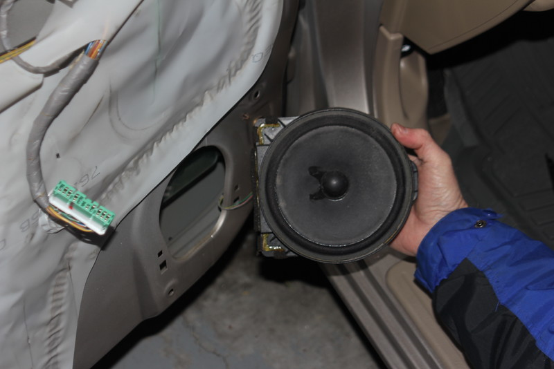 Removing factory speaker