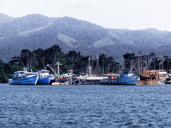 Port of the town of La Ceiba in Honduras from which offers ferry connections to the islands of Utila and Roatan.
