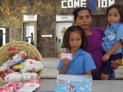 AN15 Anny Aracely and Family OC1092