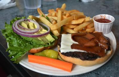 Downbeat Diner: California burger