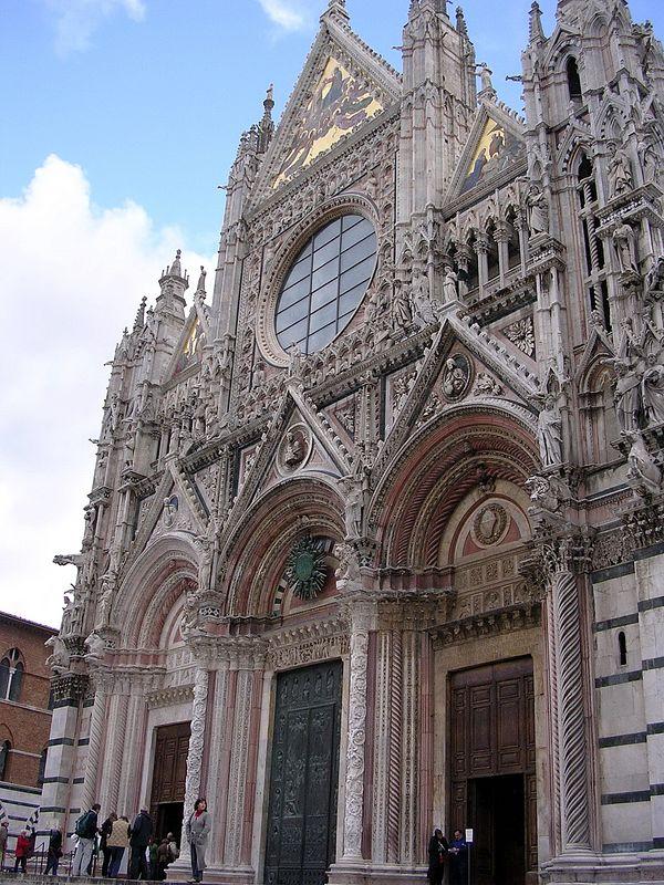Duomo entrance.