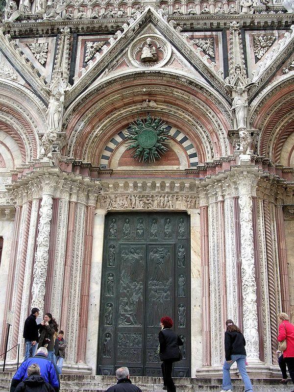 Duomo Details.
