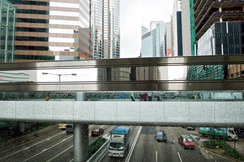 Passerelle pour piétons reliant deux blocs d'immeubles dans le quartier de Central. Hong Kong/Chine
