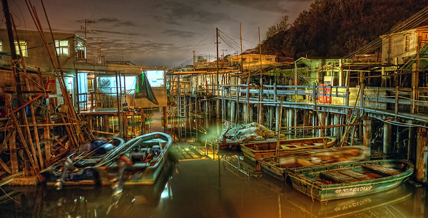 Last shot of the day before a satisfying dinner at the fishing village at Lantau Island.