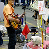 Guitar player on a Saturday night in Mong Kok
