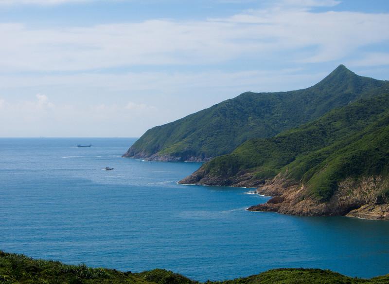 On way to Ham Tin Wan (咸田湾)