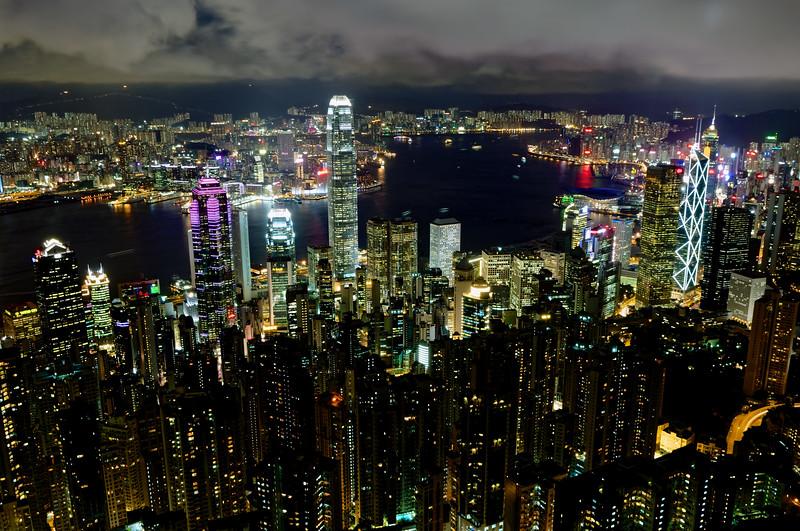 La ville de Hong Kong illuminée. Hong Kong/Chine