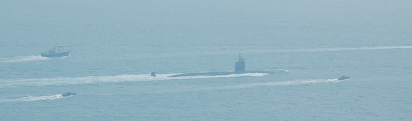 US nuclear submarine sails past, meeting up later in Victoria Harbour with USS Carl Vinson