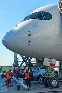 Hong Kong Airlines Airbus A350-900 B-LGC 12-18-17 9