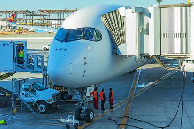 Hong Kong Airlines Airbus A350-900 B-LGC 12-18-17 2