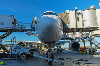 Hong Kong Airlines Airbus A350-900 B-LGC 12-18-17 10