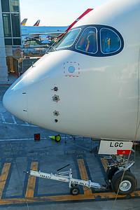 Hong Kong Airlines Airbus A350-900 B-LGC 12-18-17 8