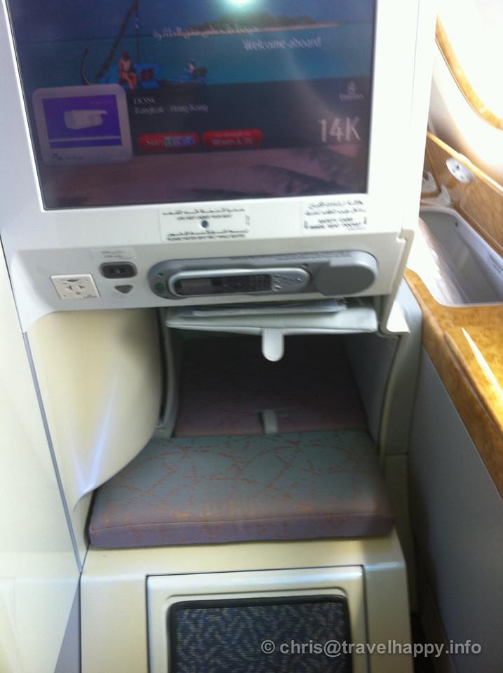A380 Emirates Business Class Bangkok to Hong Kong