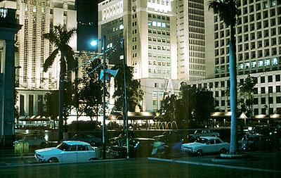 HK&SBC_chartered_bank_and_princes_building_at_night_1171