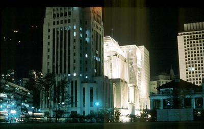 bank_of_china_HK&SBC_and_chartered_bank_and_princes_building_at_night_1171