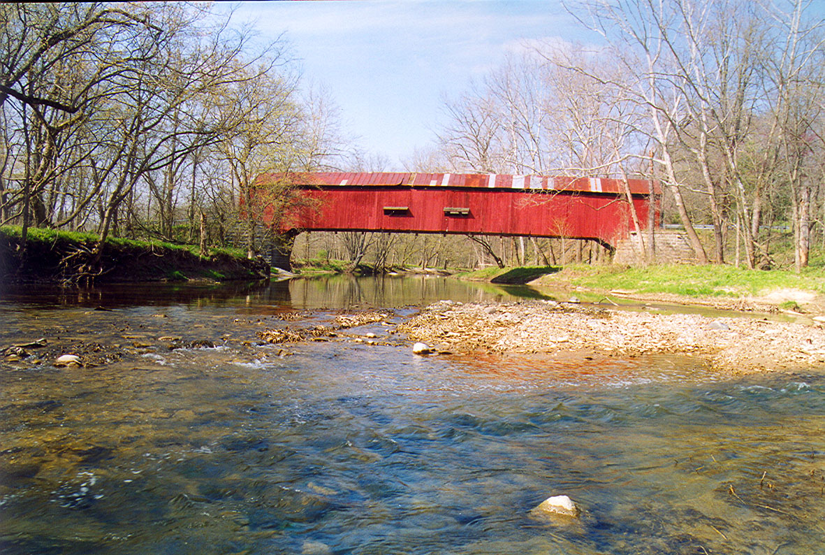 Baker's Camp Covered Bridge, Putnam County, Indiana.  Photographed April 1999.