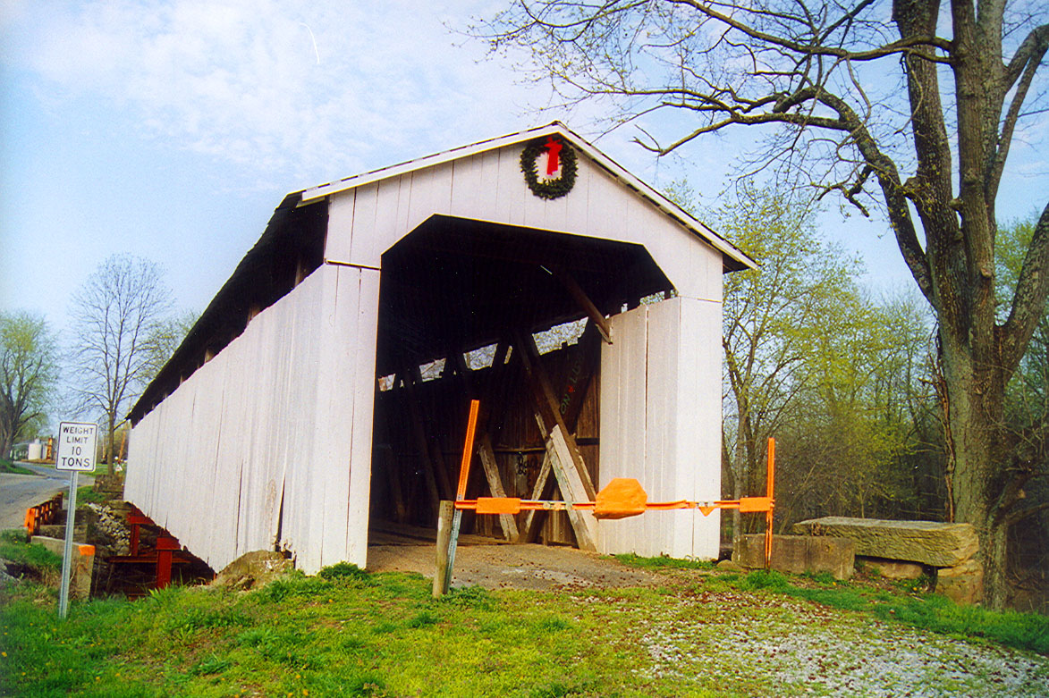 Wheeling Covered Bridge, Gibson County, Indiana.  Photo from April 1999.