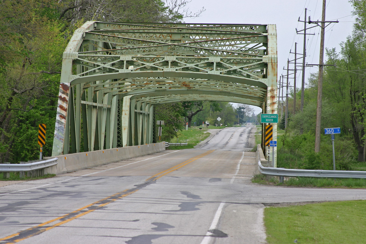 State Road 119 over the Tippecanoe River south of Winamac, Indiana.  May 4, 2006.