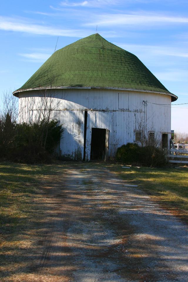 Rochester, Indiana roundbarn.  Located northwest of town just east of State Road 31.