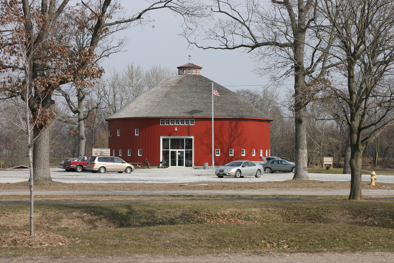 Rochester, Indiana roundbarn.  Converted to a clubhouse located on golfcourse east of town.  Photographed Feb 2006.