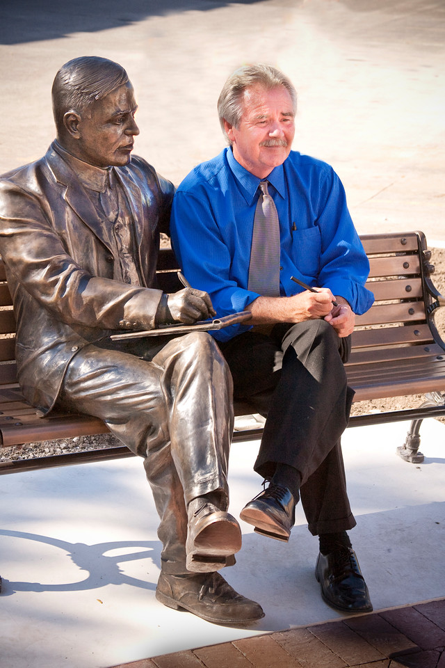 Max Ehrmann with creator sculpture artist Bill Wolfe during the Max Ehrmann dedication ceremony, 7th and Wabash Avenue, Terre Haute, Indiana.  August 26, 2010.