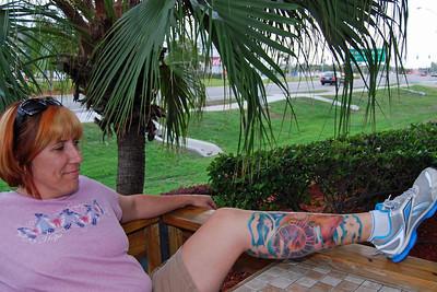 0009 Corey and her tatt at Daytona Beach Hooters