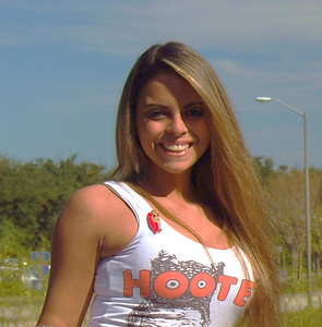 002 Hooters of Sanford Hooter Girl