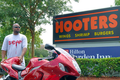 015 Christian at the Hooters of Orlando Airport