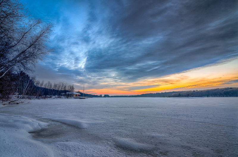 Sunrise and Frozen Lage