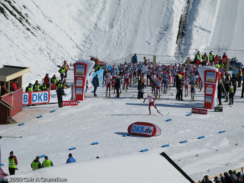 Start Cross country Sunday, which is the season's final competiton in the nordic combined World Cup. Christoph Bieler is starting as number one, after having won the jumping part