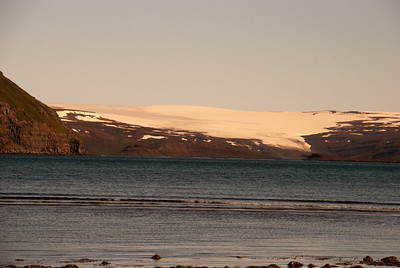 Drangajökull kemur niður í Leirufjörðinn