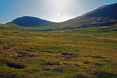 Skófnaberg, Almenningaskarð og Döggunarfell séð úr Innstadal