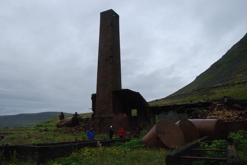 Hvalstöðin/síldarstöðin á Stekkeyri í Hesteyrarfirði.