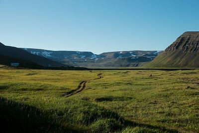 Framundan er Fljótsskarð.