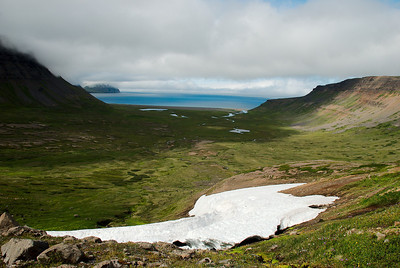 Horft yfir Miðvík.