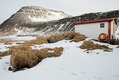 Miðfellið og hjáleigan