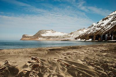 Horn, Ystidalur, Miðfell, Miðdalur og Múlinn. Jörundur og Kálfatindar gæjast fram.
