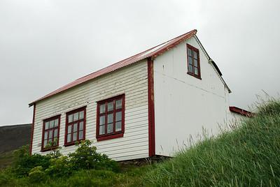 Hesteyri. Skólinn. 2012.