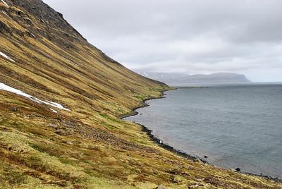 Horft til baka að Sauðungseyri