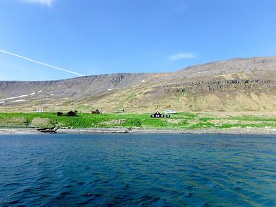 Aðalvík - Sæból. Steinhúsið, Fjósatunga, Jónshús, Ellubær, Bólið og Móhúsið.