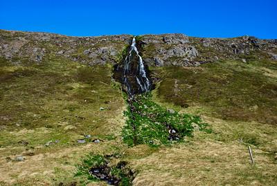 Foss við Hornbæina á Horni í Hornvík